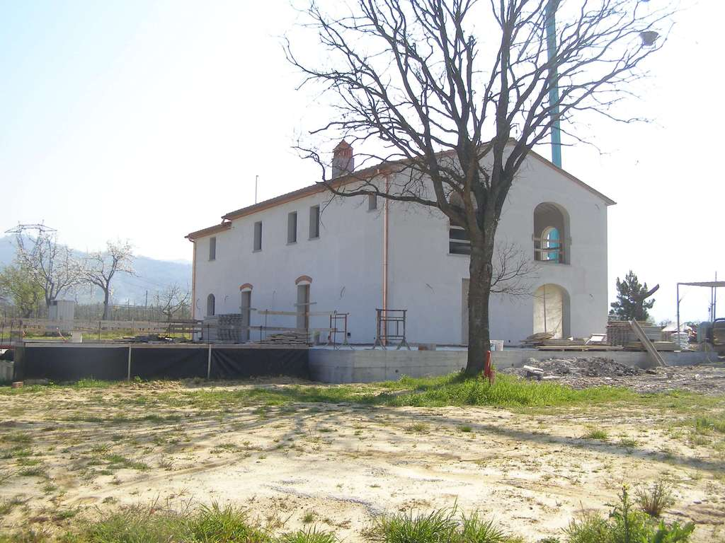 Idee su come arredare una casa nella campagna toscana for Piccole case in stile toscano