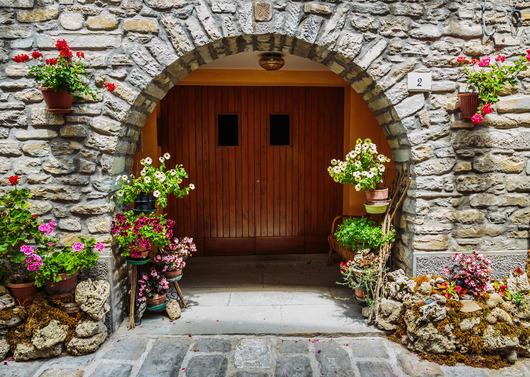 Idee su come arredare una casa nella campagna Toscana  Studio ...
